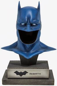 Batman Rebirth Mask Statue